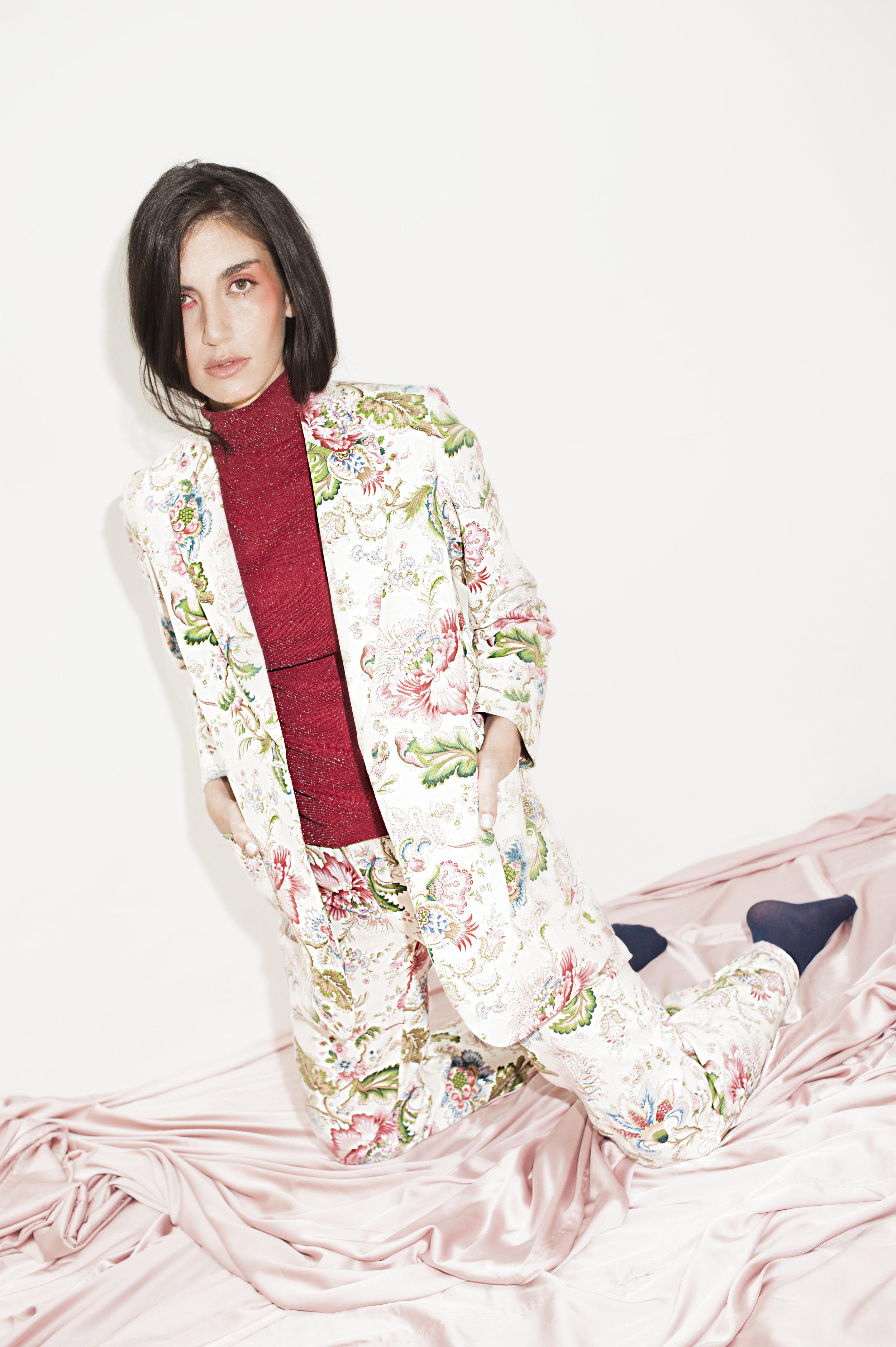 Blazer Eva + Pantalón Ancho Jardín del Edén Crema-Rosa