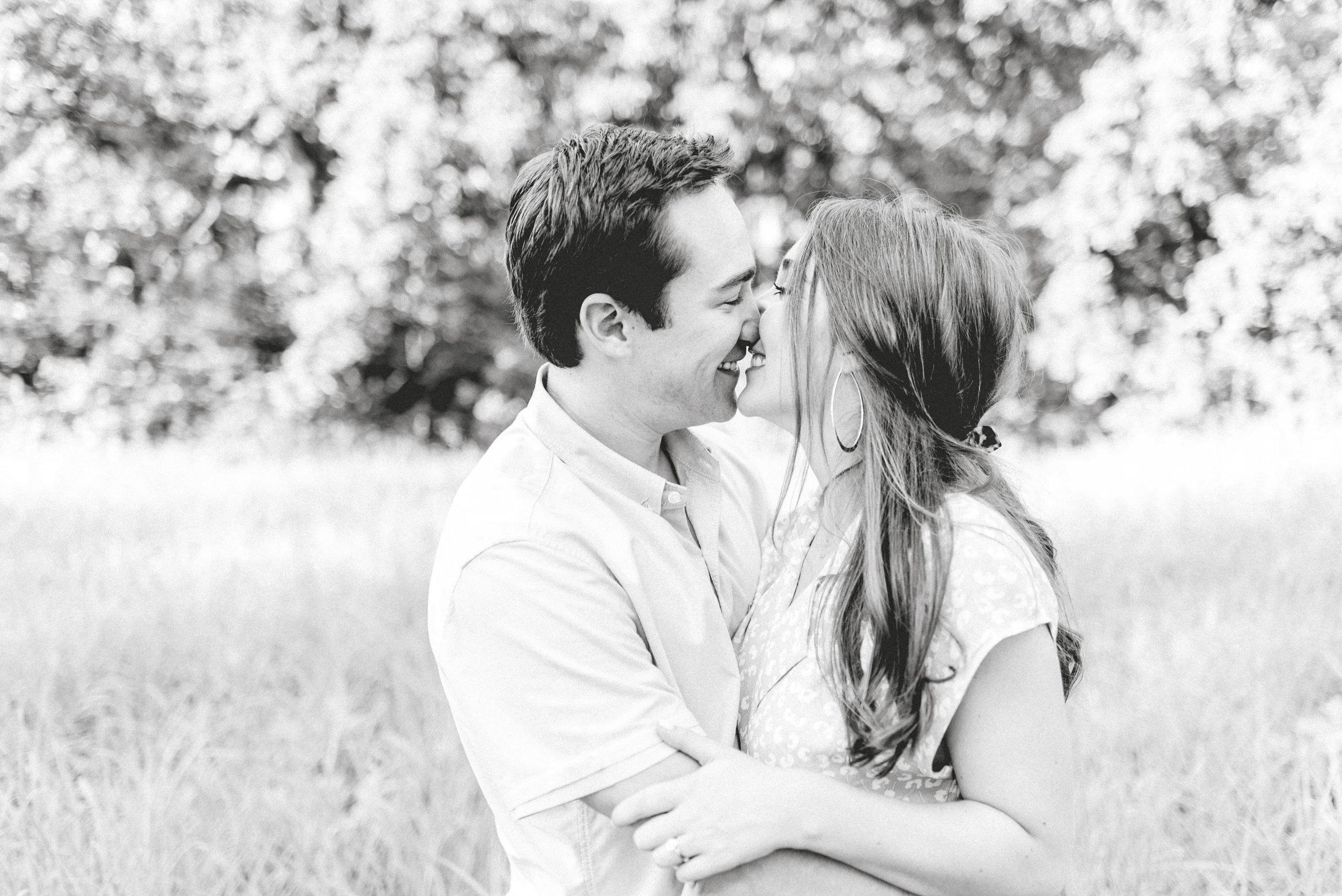 gray-door-photography-dallas-texas-engagement-photos-wedding-photographer17.jpg
