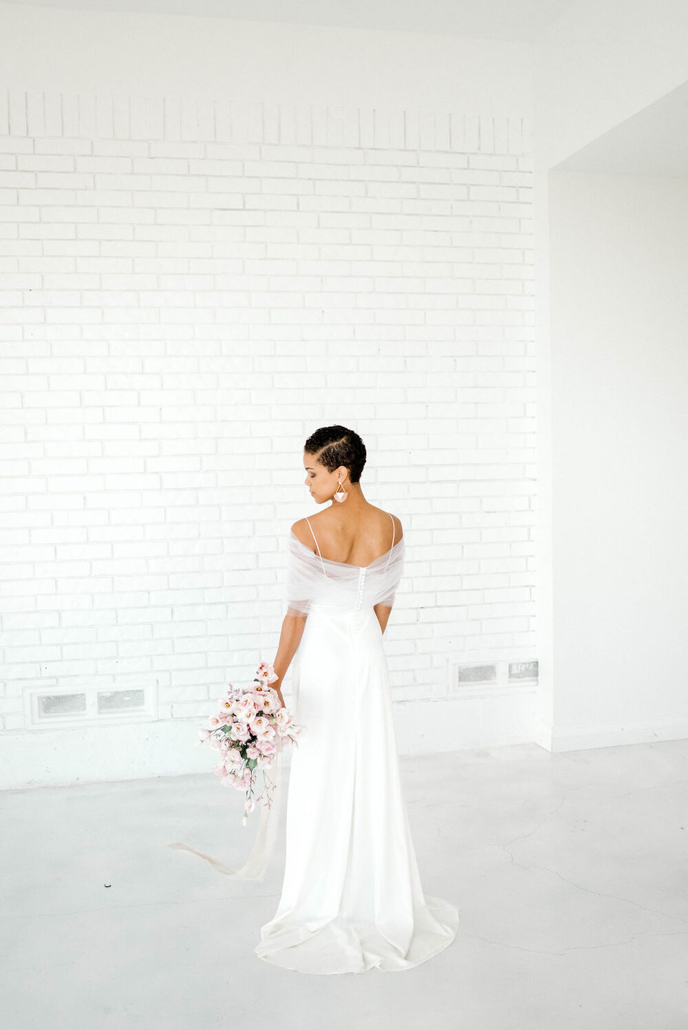 Modern Bridal Editorial at The Emerson Venue - Kauffman, Texas | Gray Door Photography