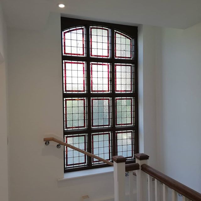 Original stain glass window in your stairwell apartment anyone? We are busy snagging, cleaning and finishing off the remaining 3 apartments up at Stratton House. Swipe to see more Millgate touches