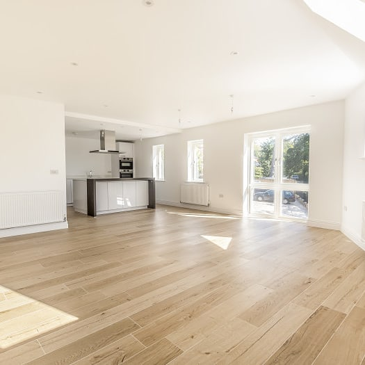 Apartment six at Stratton House finished and ready for viewings. Two bedrooms (one with walk in wardrobe) arranged over two floors. Use of shared courtyard garden. Lovely location on Stratton Road.