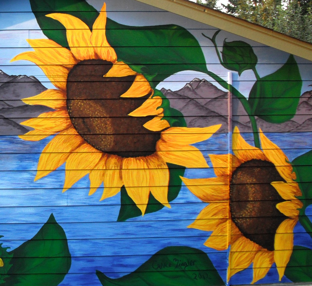 Sunflowers Mural Detail 2.jpg