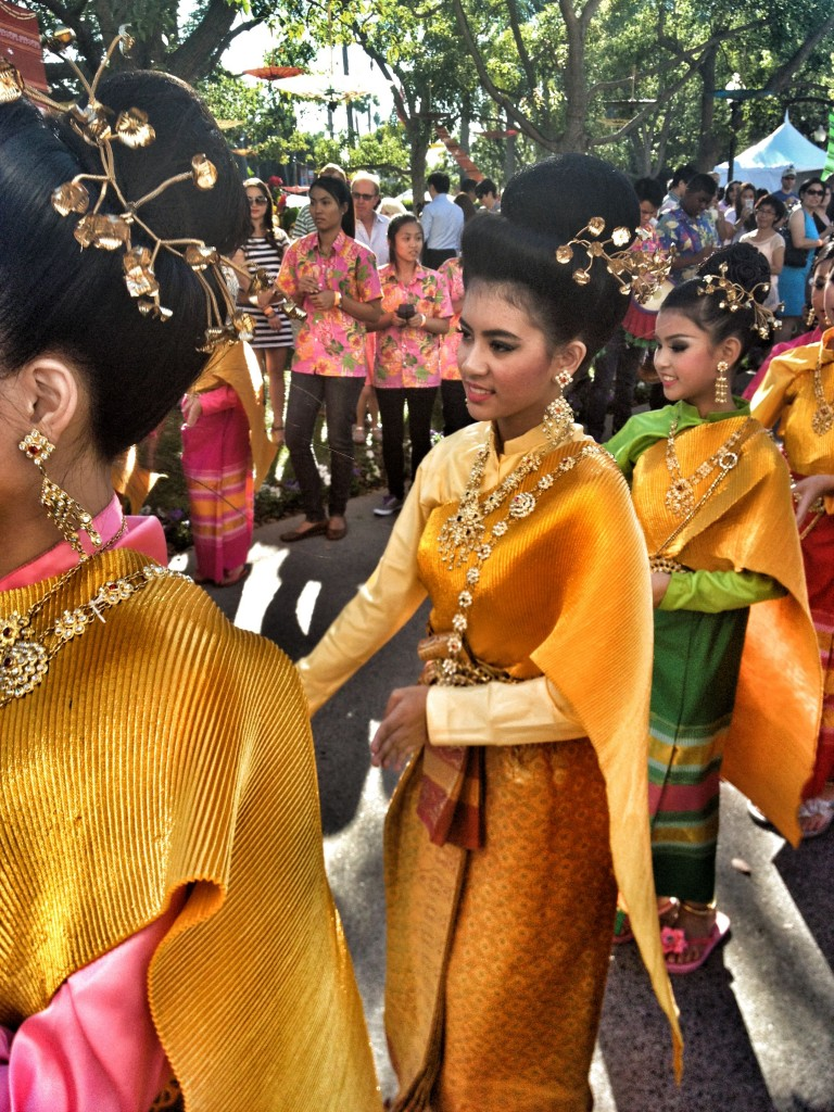 ThaiMe-ThaiDancersBest-768x1024.jpg