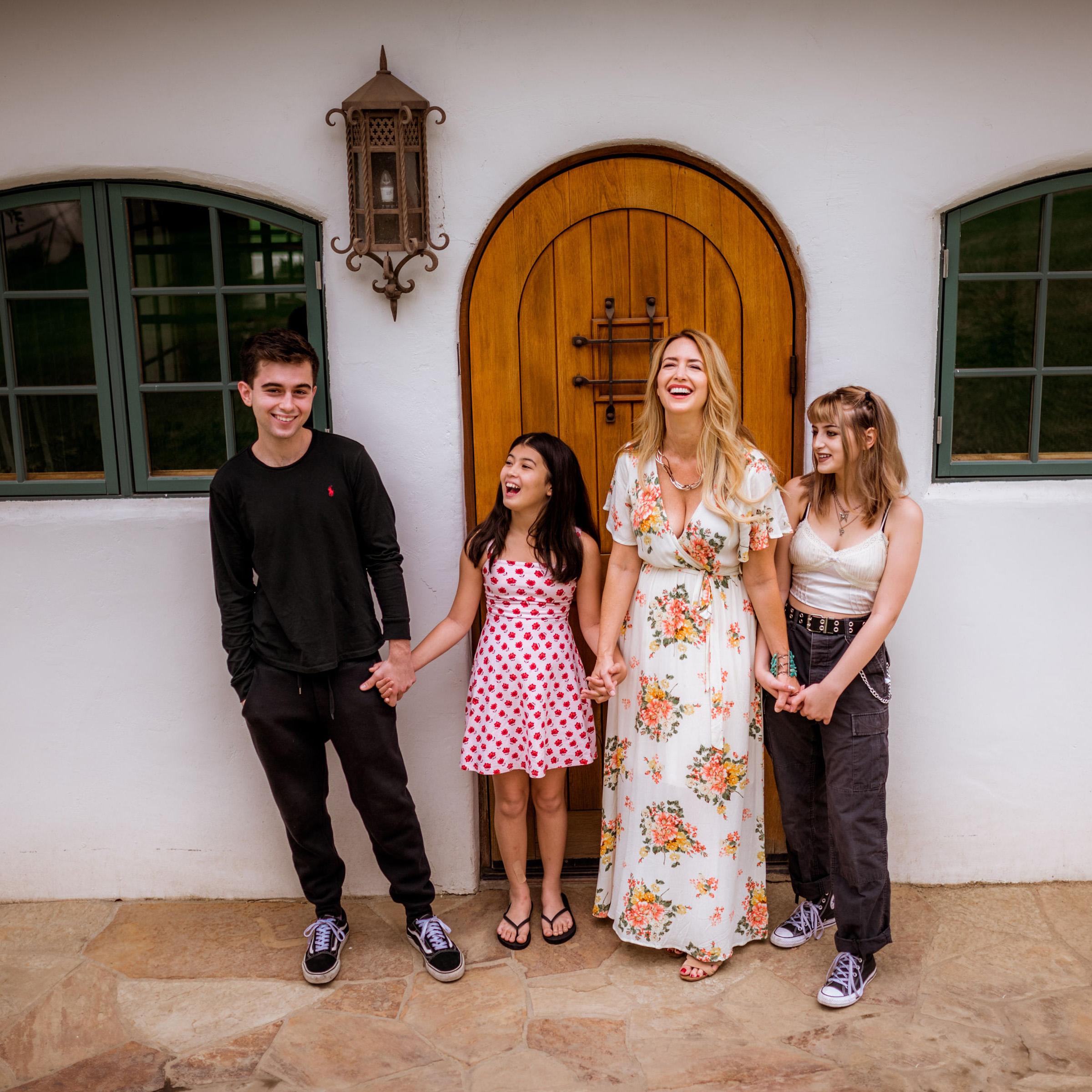 Steph-FAMILY-SMILES.jpg