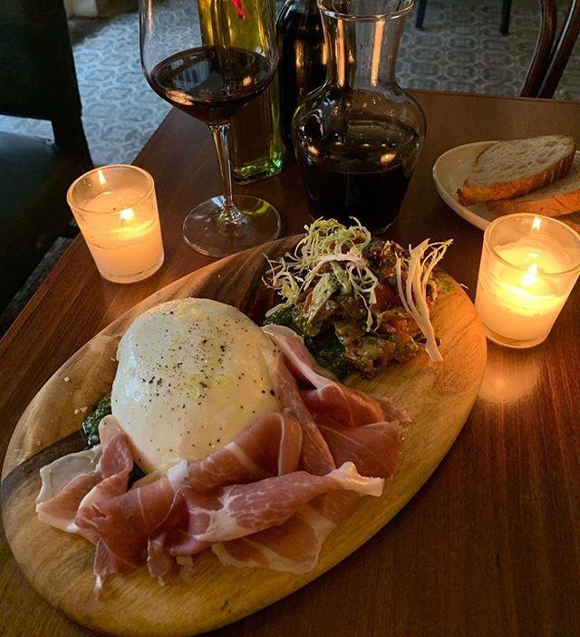 Sunday Dinner awaits!  Air flown Italian Burrata / pesto 'Genovese', tomato & radicchio salad/ parma ham + 🍷= ❤️ photo credit: @niceto8you . . . . #pastabarsg #burattagram #buratta #pesto #wine #burattacheese #mangia #fresh ##🍝 #handcutpasta #chef #italianfood #instasg #sg #sgeats #eatsingapore #keongsaik #pastalovers #handcut #italia #artisan #pastaprep #singaporerestaurants #topsingaporerestaurants #bestitalianfood