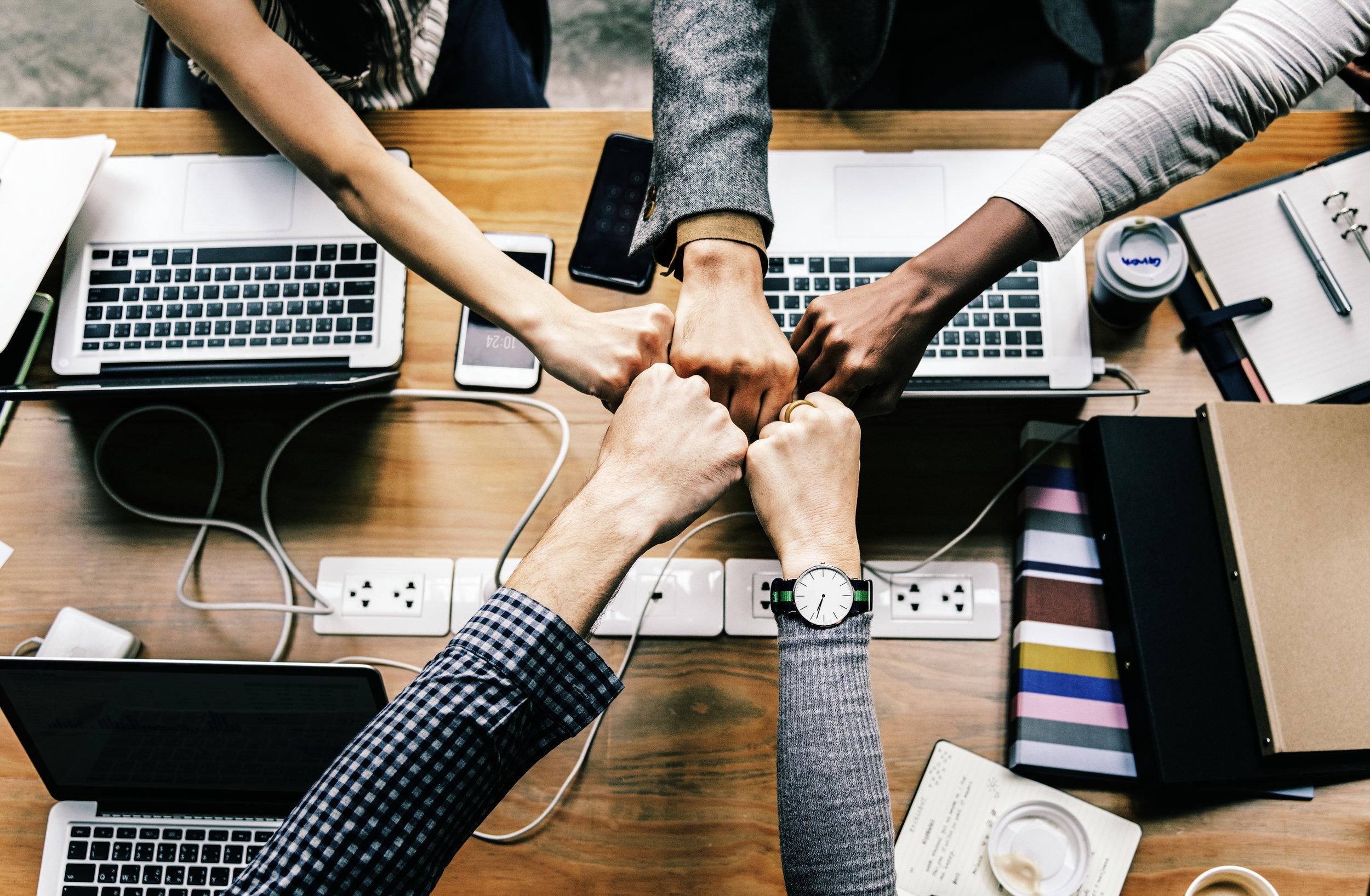 Onze werkwijze is gebaseerd op een logisch stappenplan van advies t/m uitvoer met een team van experts op verschillende disciplines -