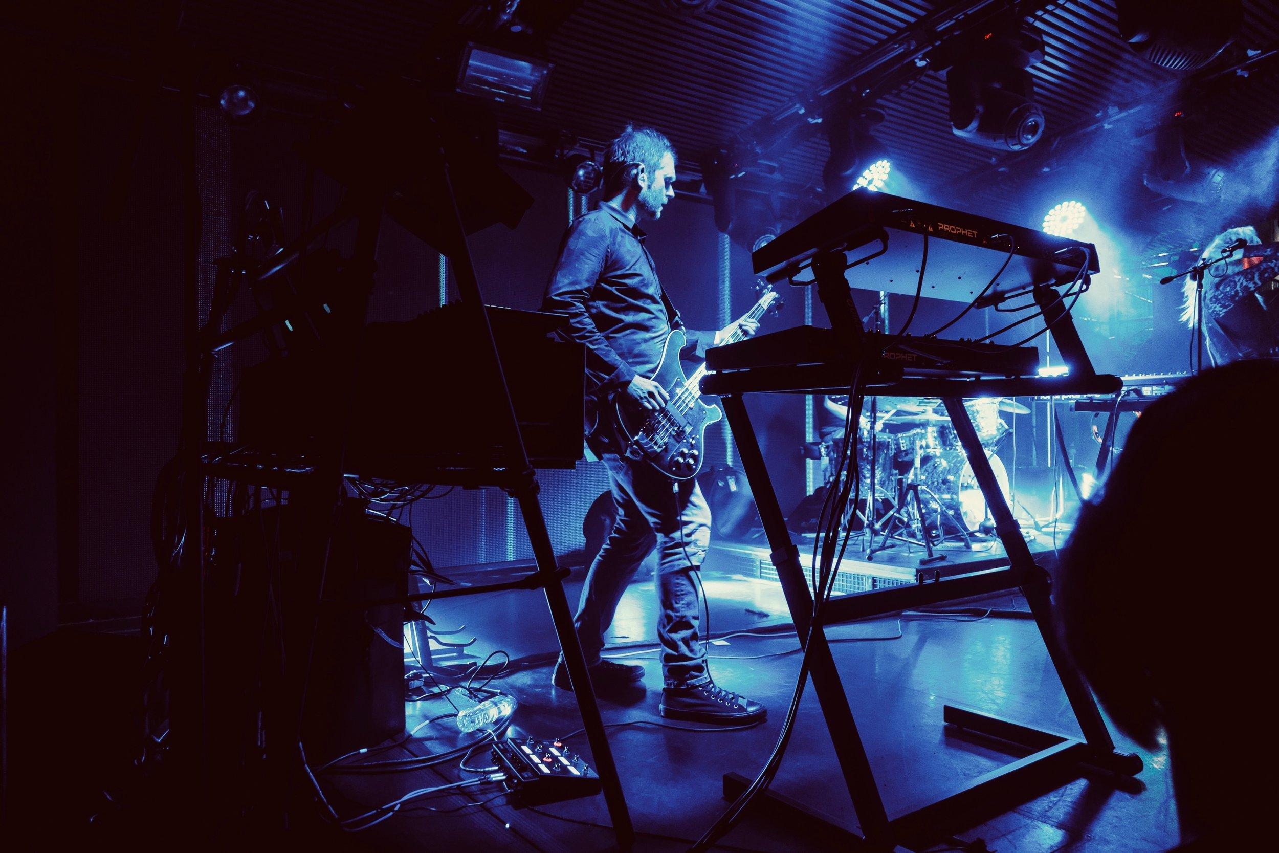 Hybrid LIVE (02).jpg
