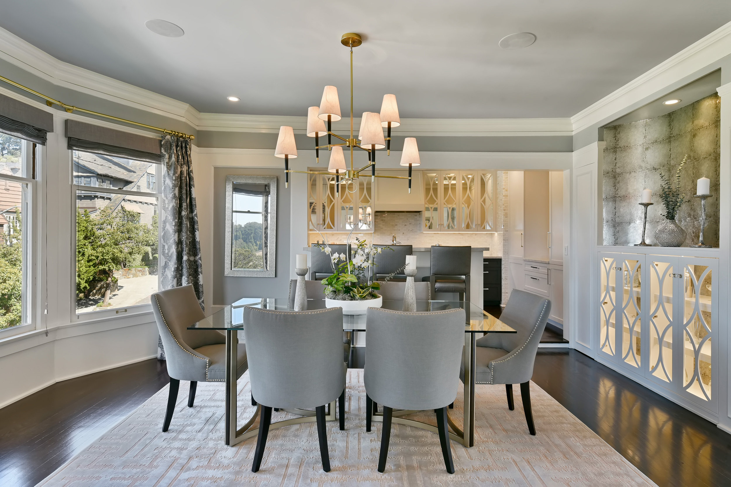 Contemporary Home Staging Design