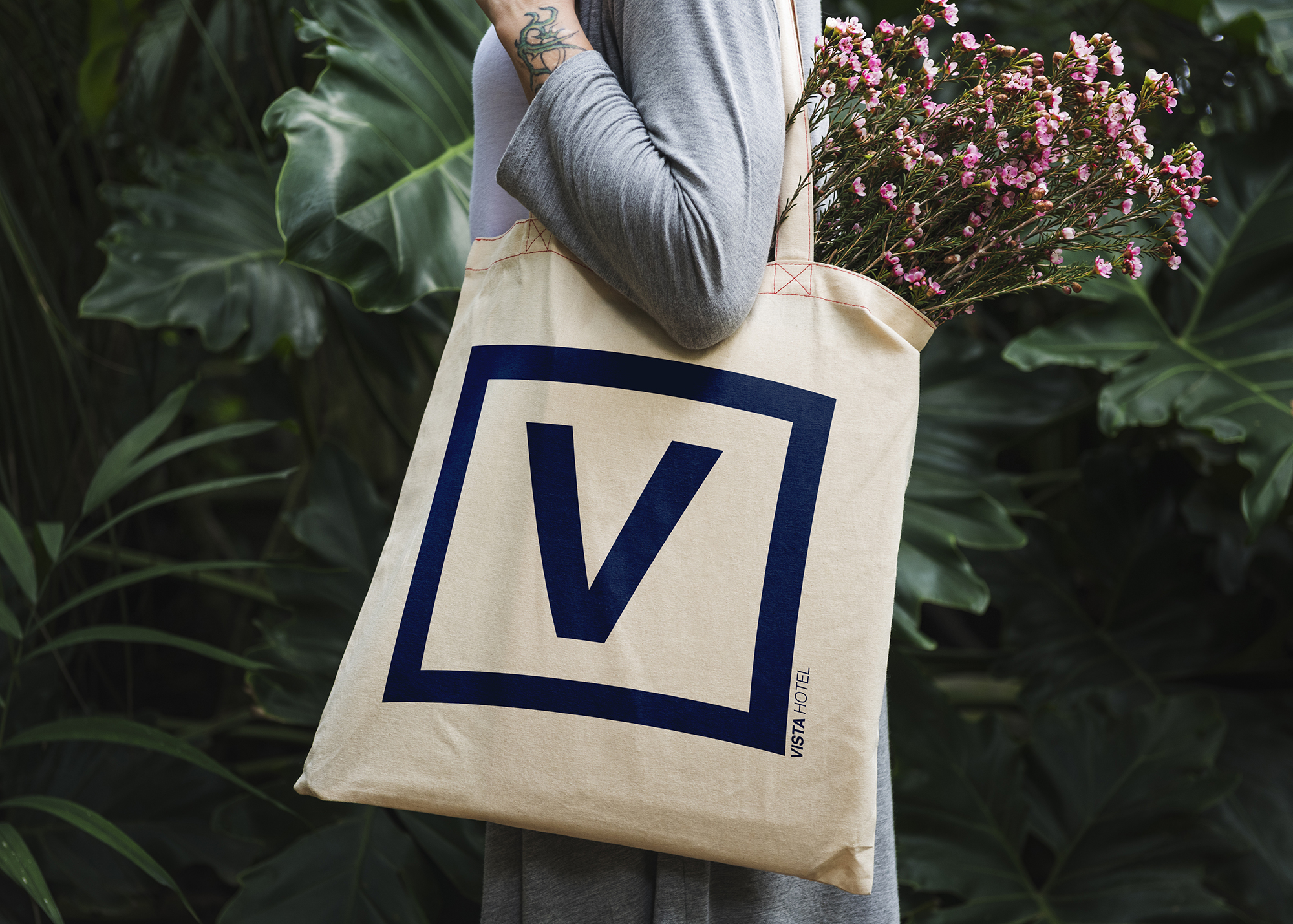 Vista Hotel Tote Bag and collaterla