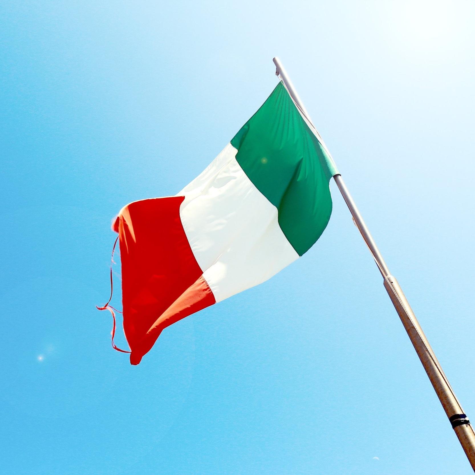 flag-flagpole-italy-7522_V2.jpg