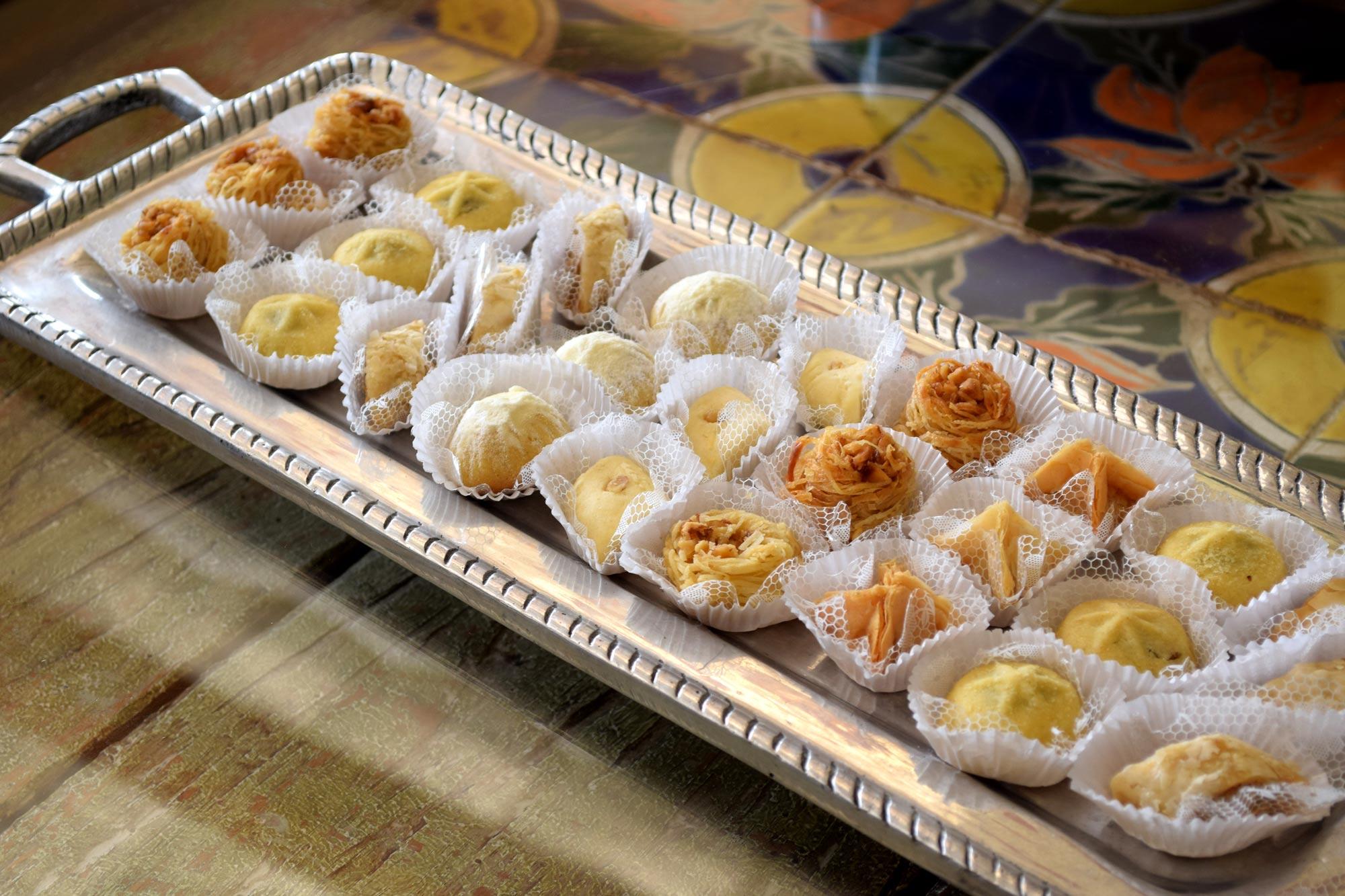 los más deliciosos dulces arabes en tamaño pequeño -