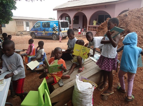 Streetgirls Aid Ghana