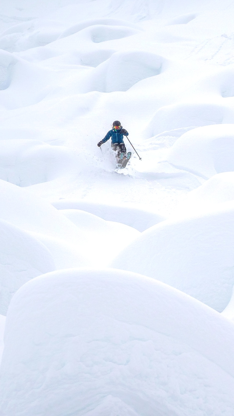 Whitewater Resort Pillow LInes
