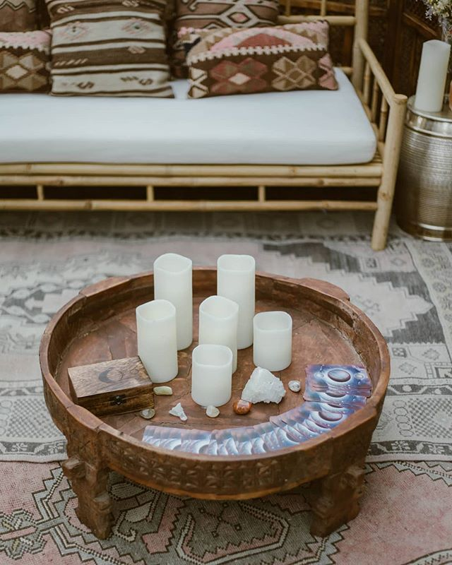 《ALHAMBRA COFFEE TABLE》One of my hire faves, that keeps popping up on my feed 💗 Photographed by @opalimagery and all available for hire from Pretty Willow  #prettywillowhire #prettywillowlounge #bohostyling #bohosoiree #birthdayparty #partyhire #boho #ledcandles #lanaidaybed #alhambracoffeetable #moroccanrugs #boholounge #tarotcards #crystals