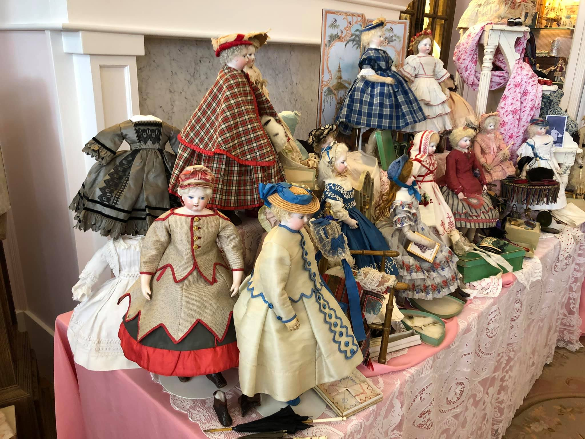 Fourteen Huret Dolls on One Table Virtual Doll Convention.jpg