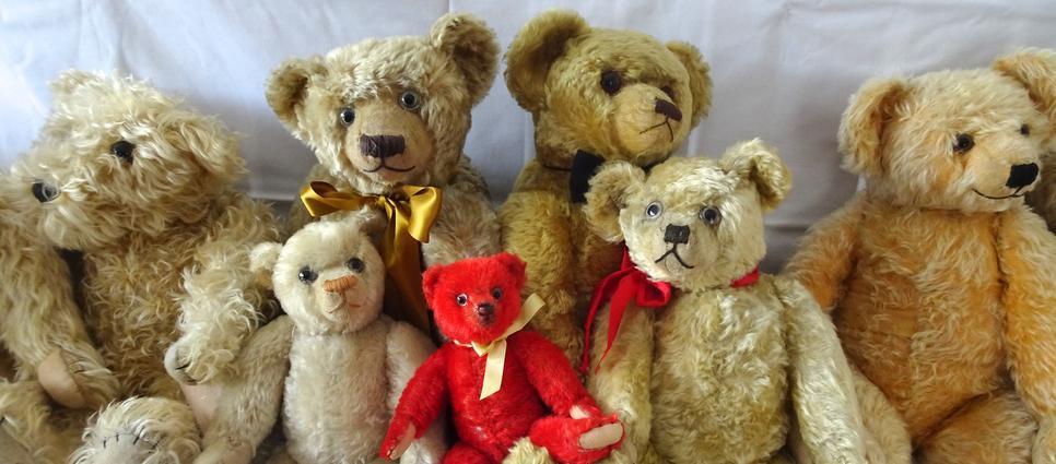 Hilary Pauley Teddy Bear Virtual Doll Convention.jpg