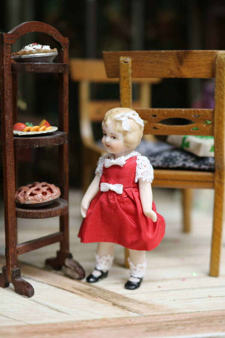 2 25 All Bisque Miniature Shirley Temple Doll In Christmas Dress Vdc Exclusive By Pat Boldt Virtual Doll Convention