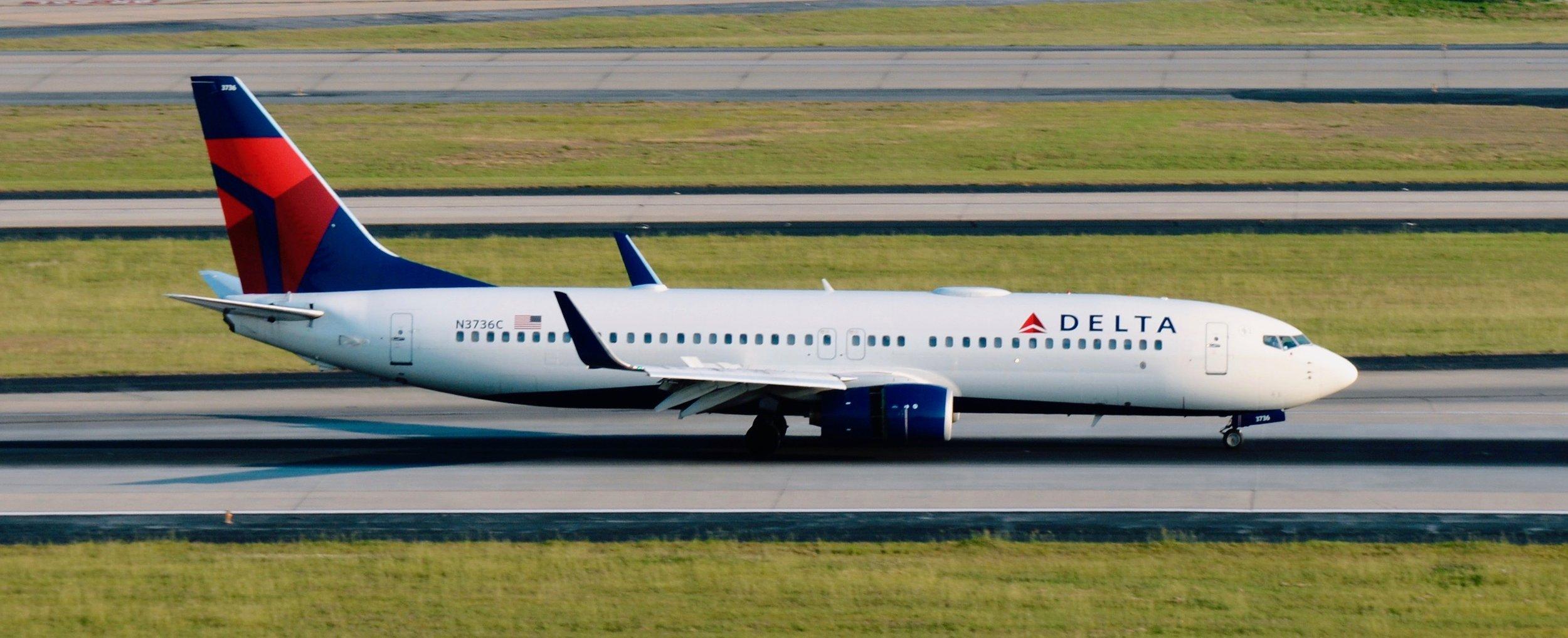 Delta Boeing 737 800 Old Interior Officer Wayfinder