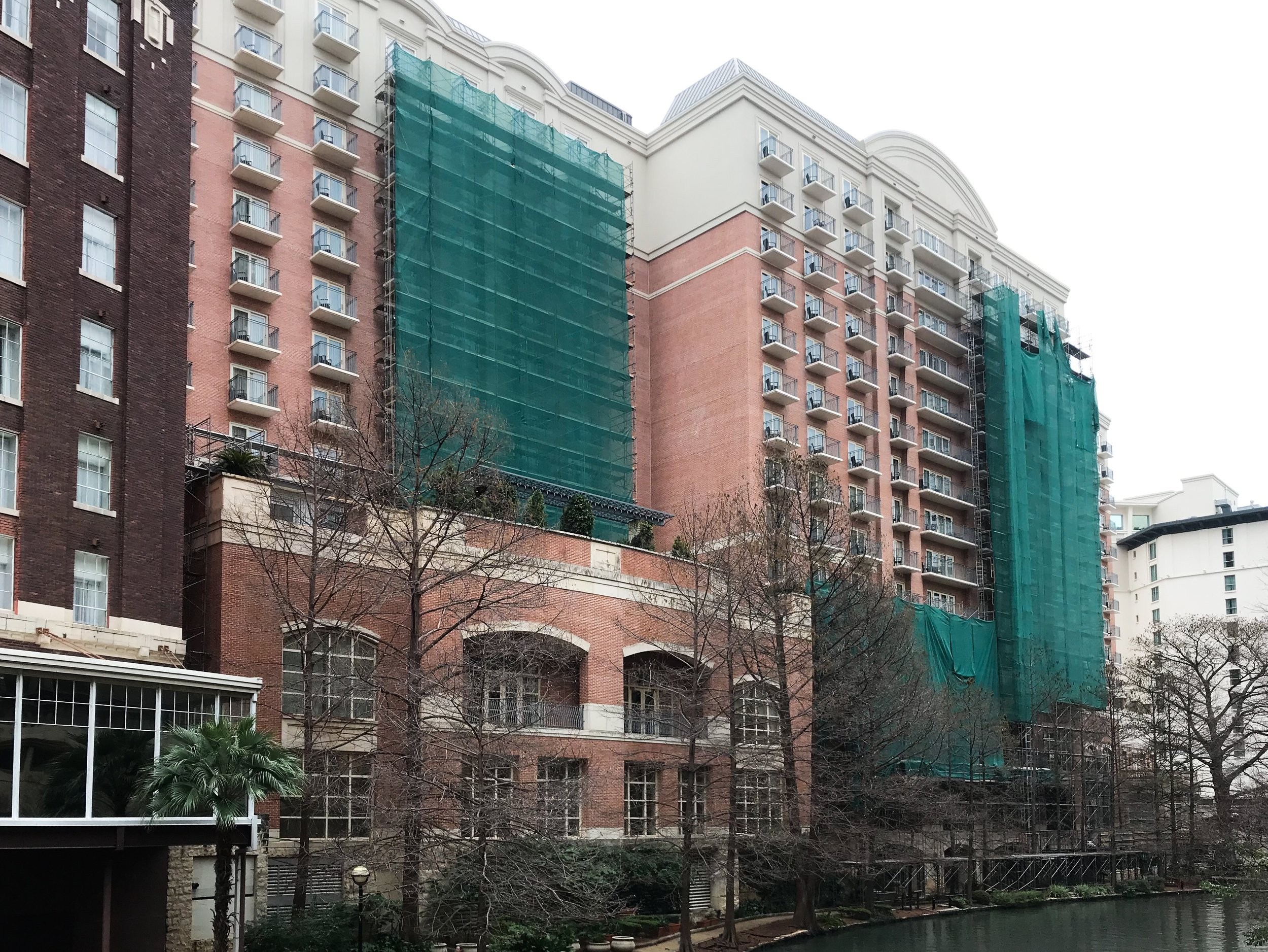 All of the rooms on the River Walk side of the hotel had balconies, but several of them were under construction during my stay.