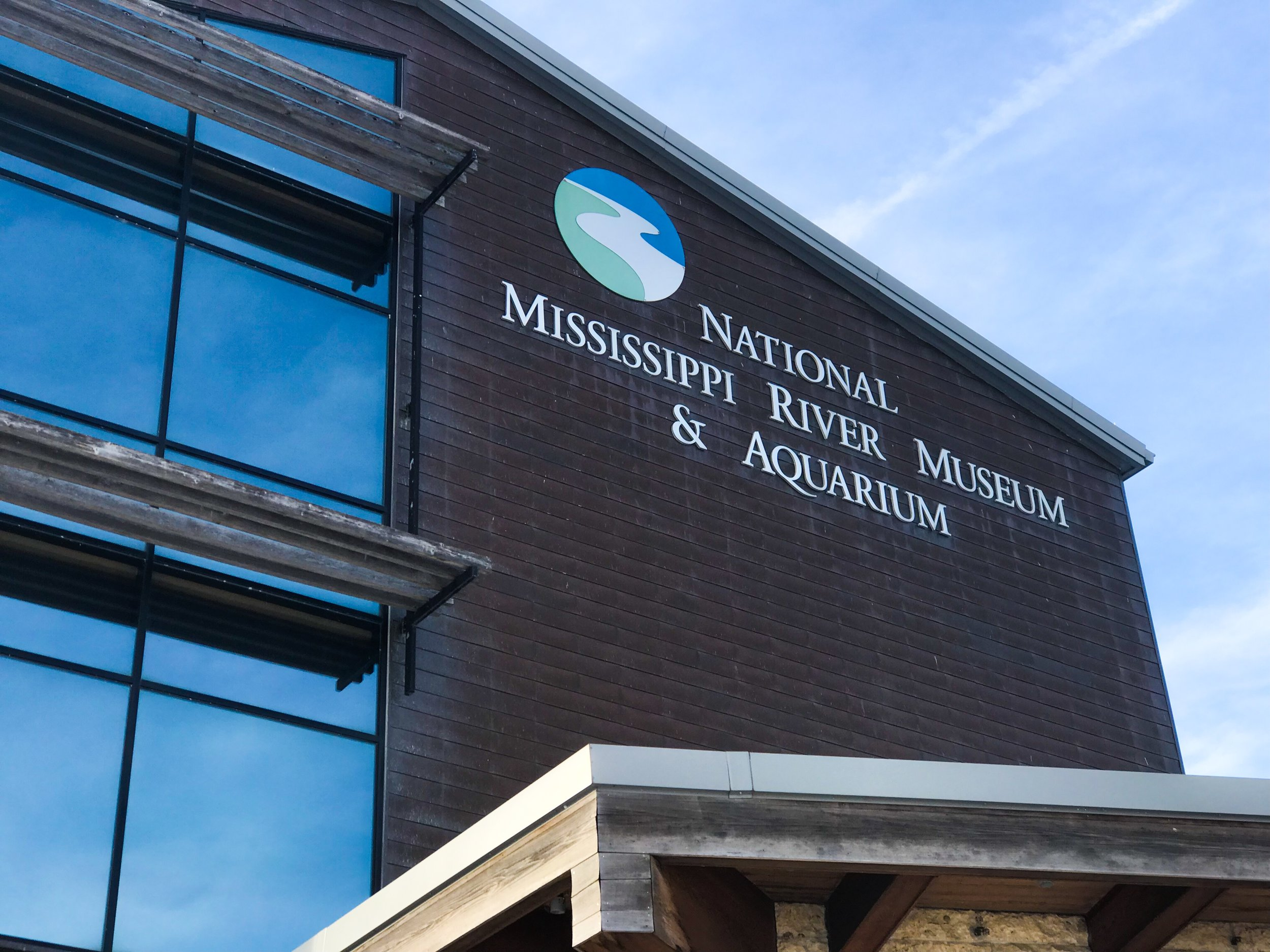 NATIONAL MISSISSIPPI RIVER MUSEUM AND AQUARIUM - Museum and Aquarium exhibiting the culture and history of America's rivers