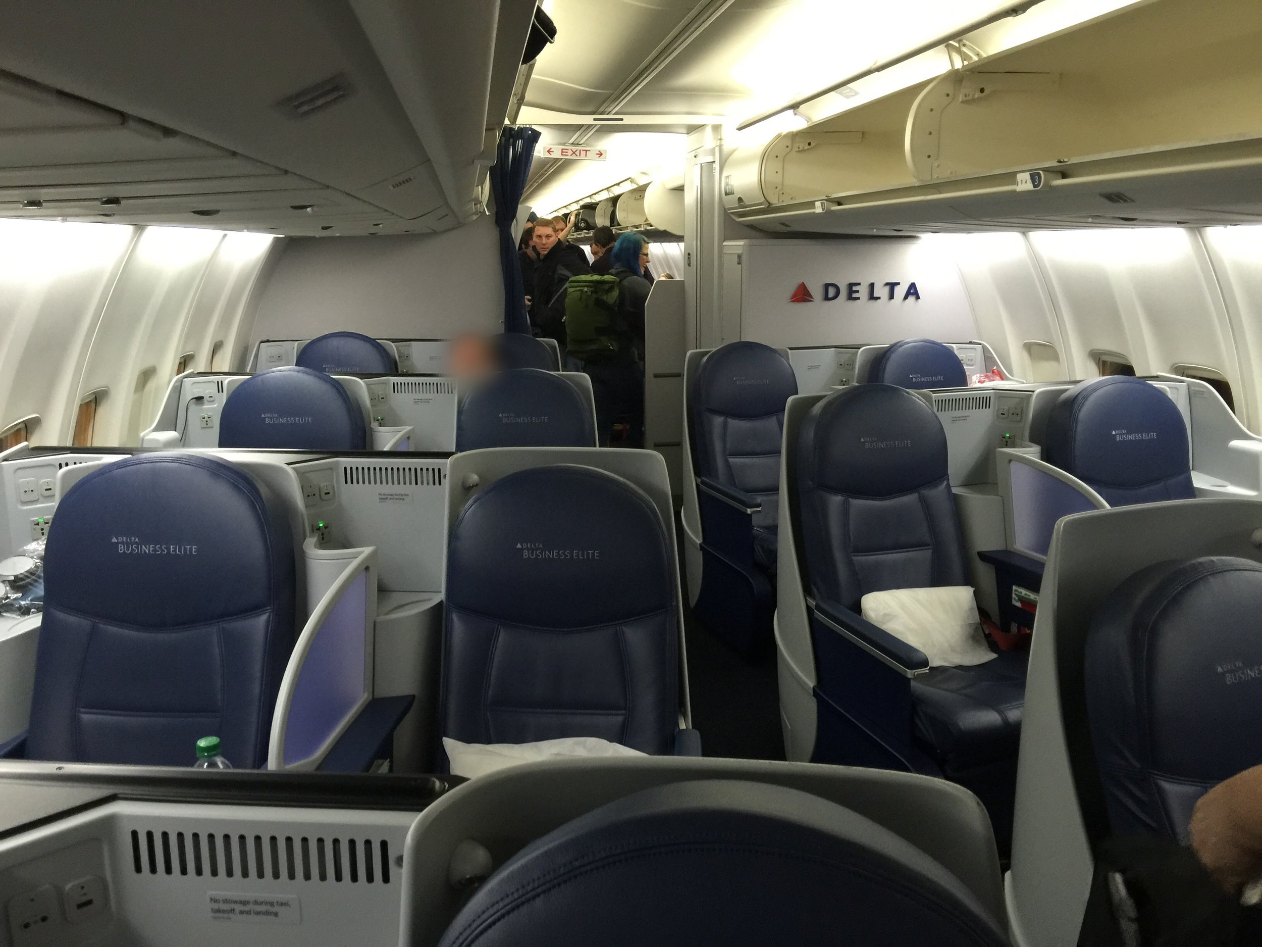 757-200 (75S) - Delta One: 16 SeatsDelta Comfort+: 44 SeatsMain Cabin: 108 Seats
