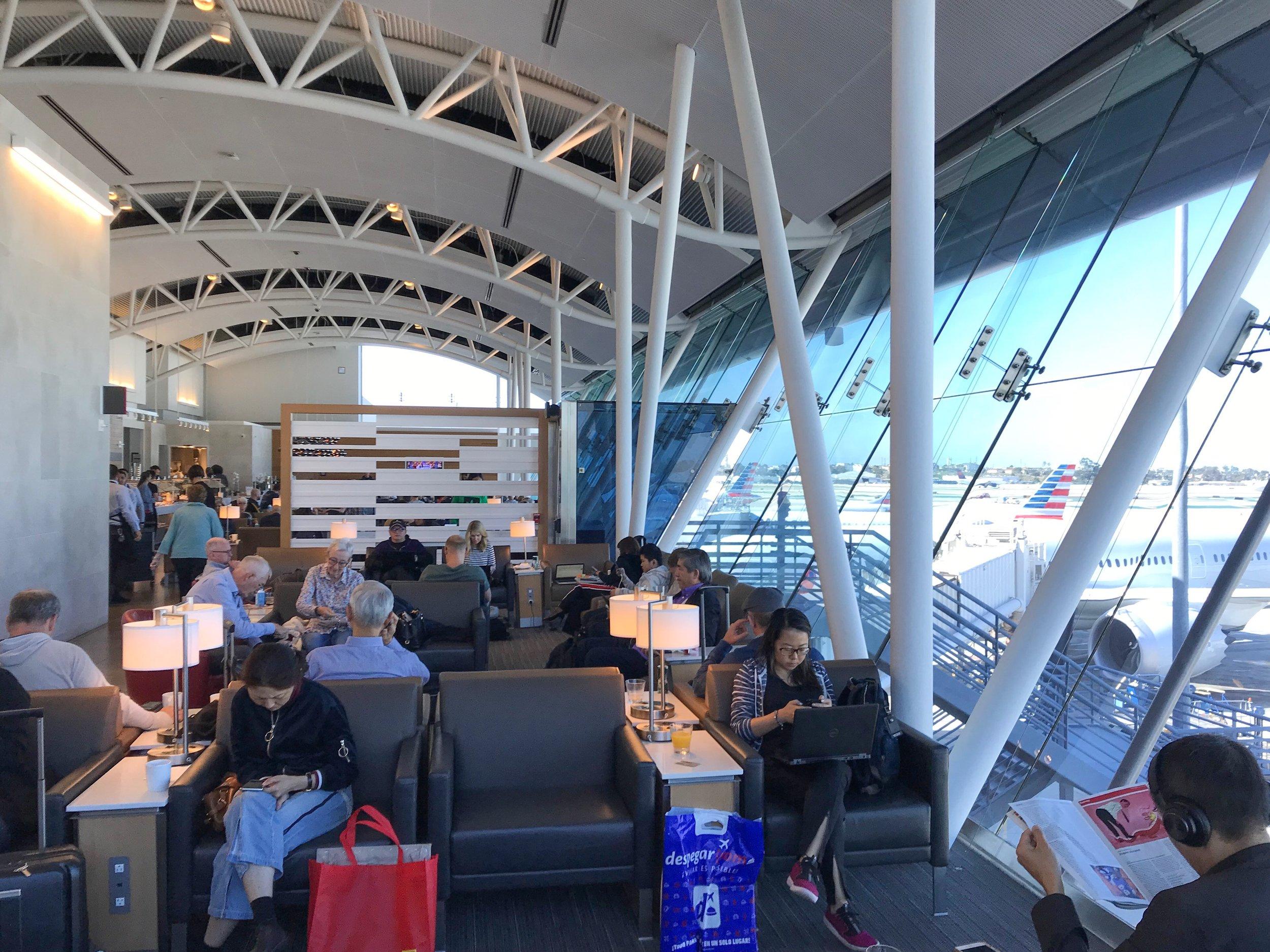 LOS ANGELES FLAGSHIP LOUNGE - Terminal 4 — Gate 40