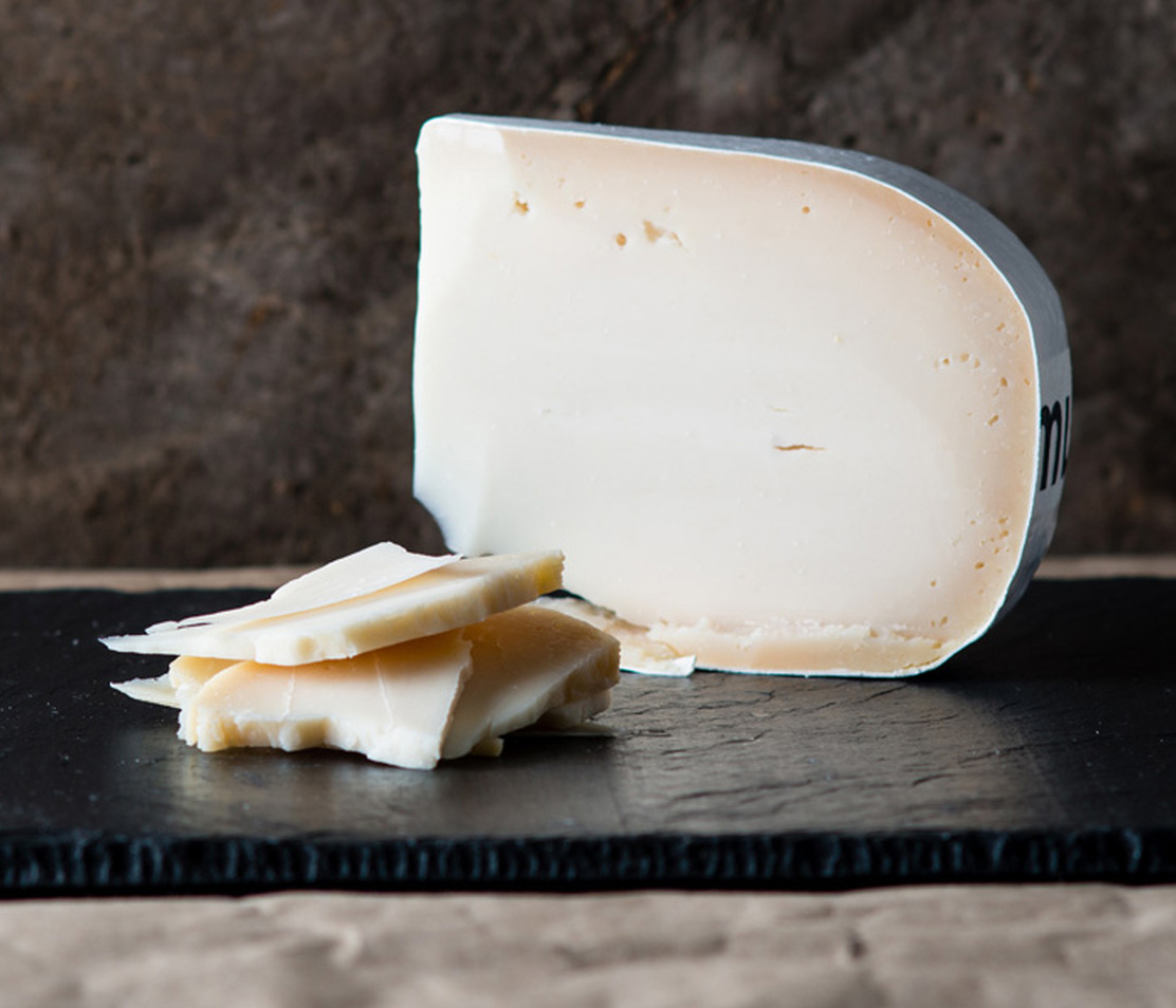 Belle De Hollande - Belle De Hollande is a Dutch 100% goat's milk gouda. It has a white pate and a mild taste, perfect as an appetiser.$6.50 per 100g