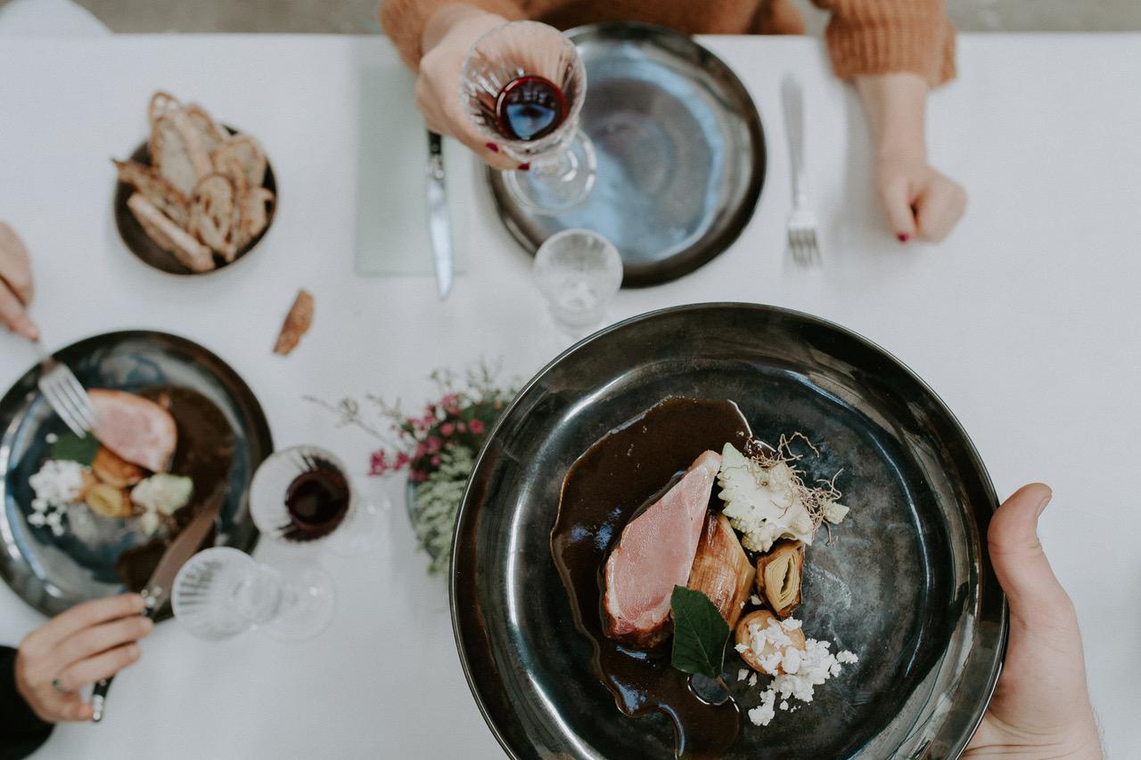 Diner assis