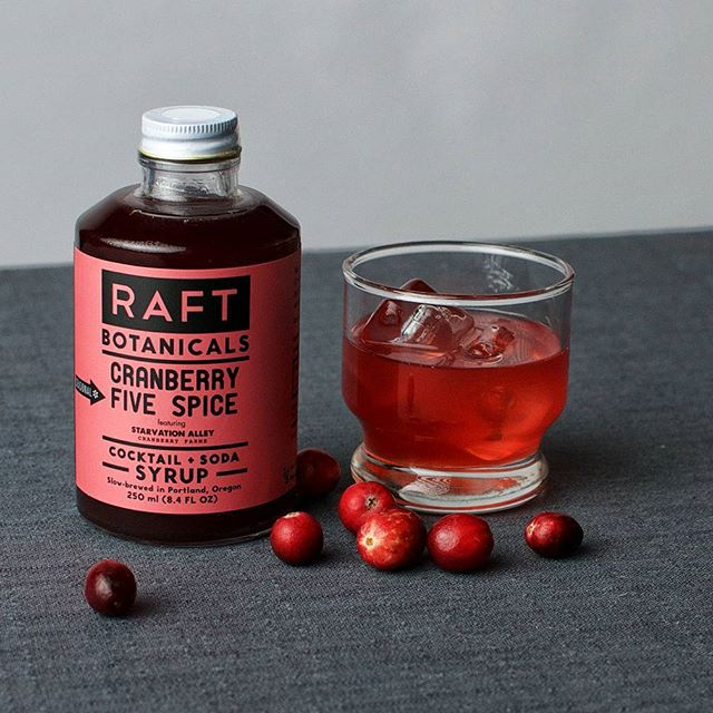 Things We Love: @raftsyrups's new Cranberry Five spice for all your Thanksgiving cocktail needs... before and after the family arrives. You guys, it's Thanksgiving NEXT WEEK! ❤
