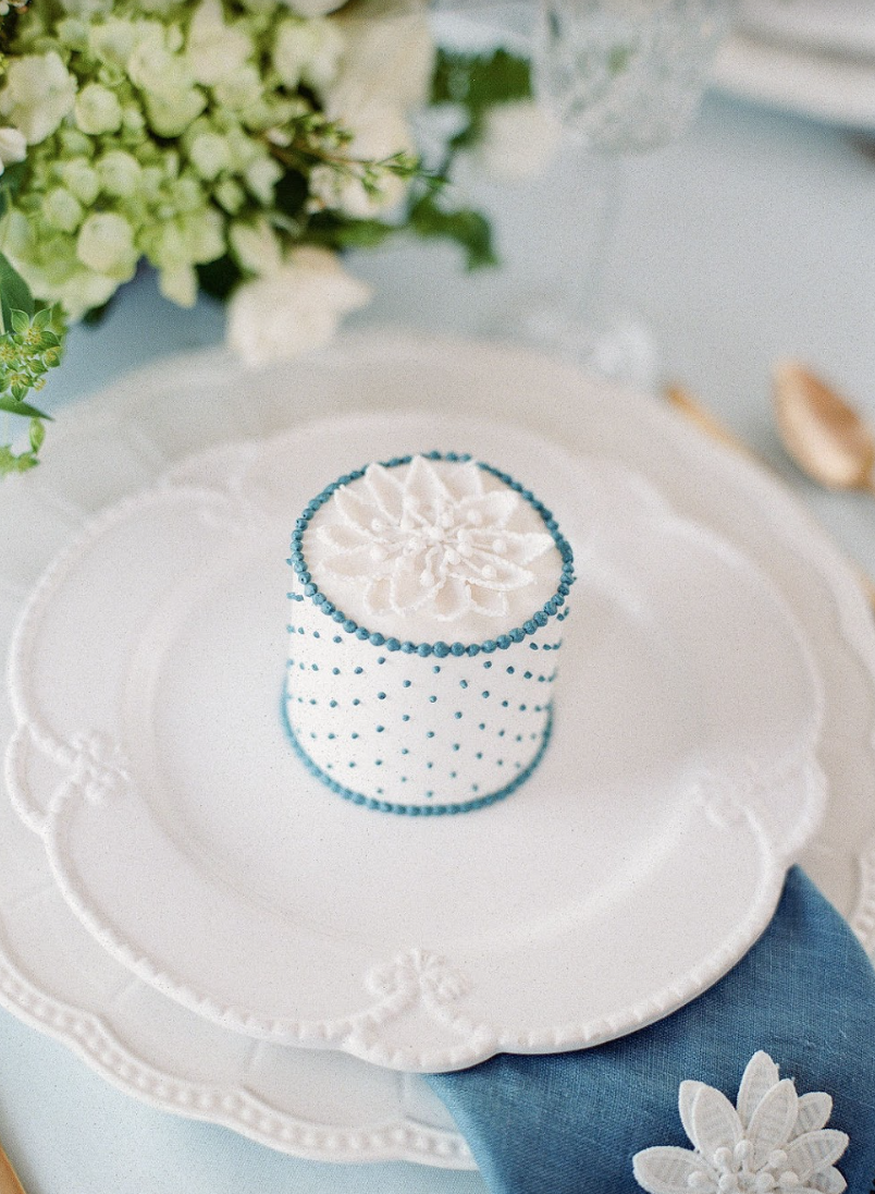Events by Reagan, Lela Rose Collaboration, Table Setting, Personal Cake, Jim Smeal