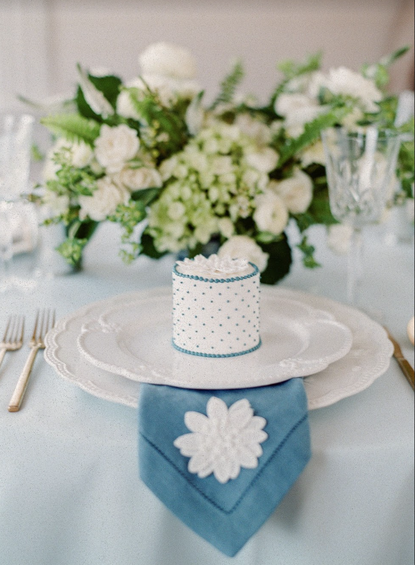 Events by Reagan, Lela Rose Collaboration, Place Setting, Wedding Dessert, Cake, Jim Smeal, Embroidered Napkin
