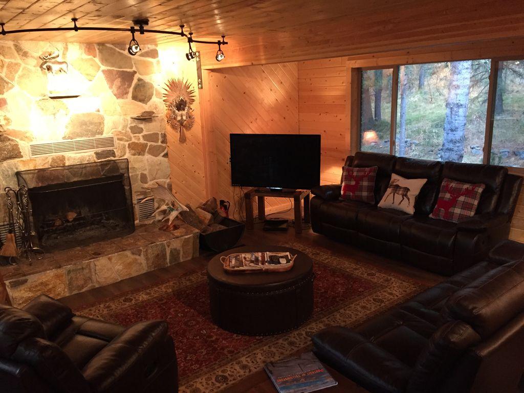 Whispering Pines Lodge -