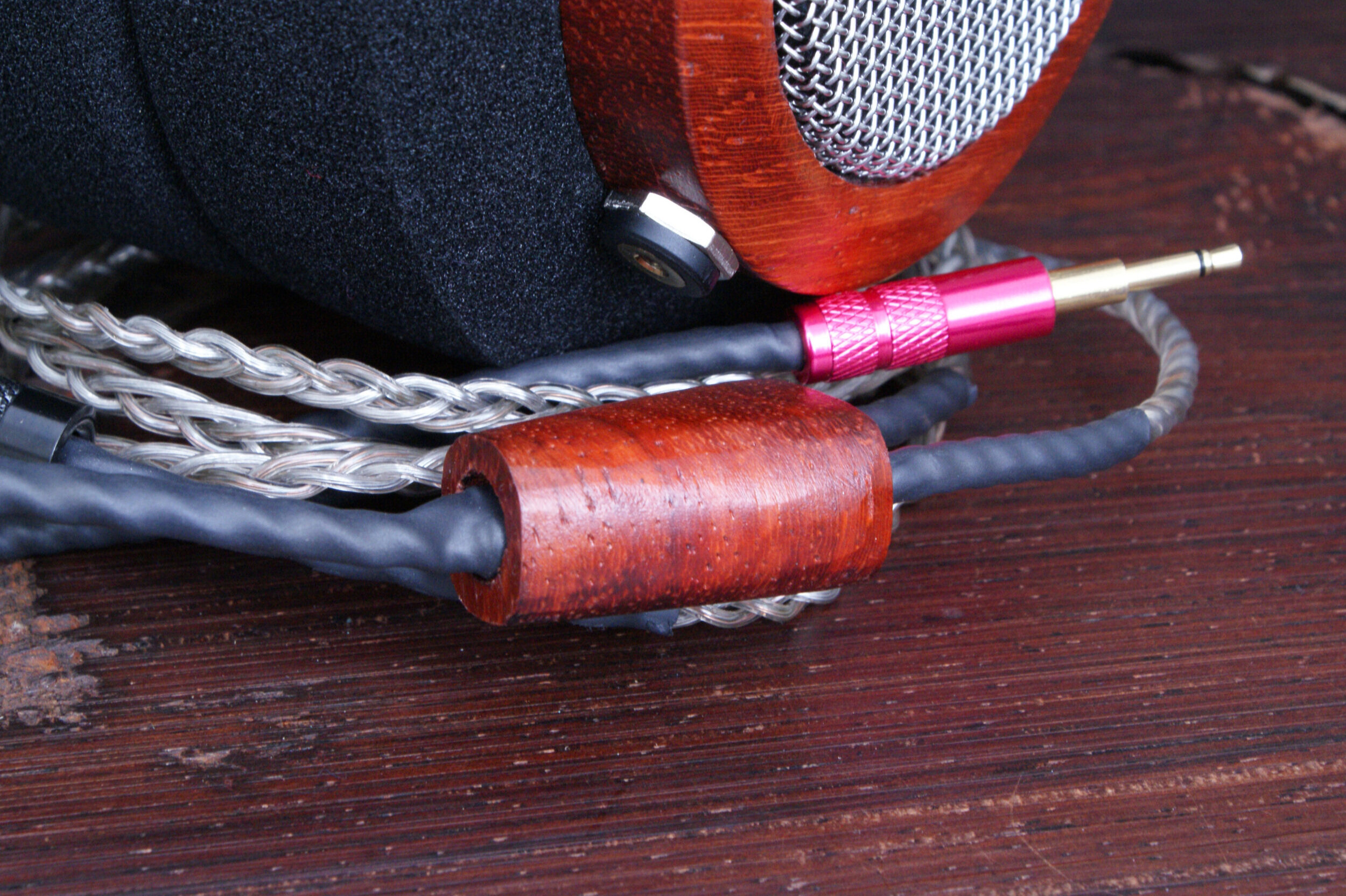 SIlver and copper mix cable close up detail