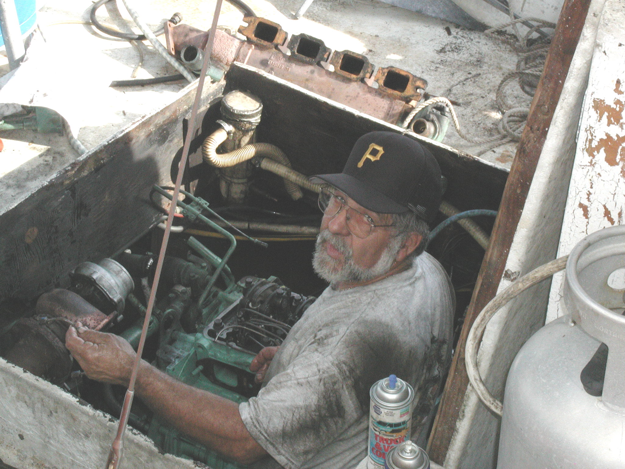 Carl engine rebuild 1.jpg