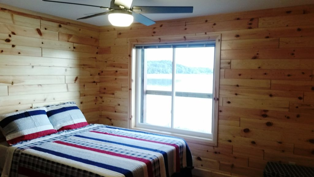 Of the 11 BR-BA suites, 10 have large windows overlooking Stone Lake.
