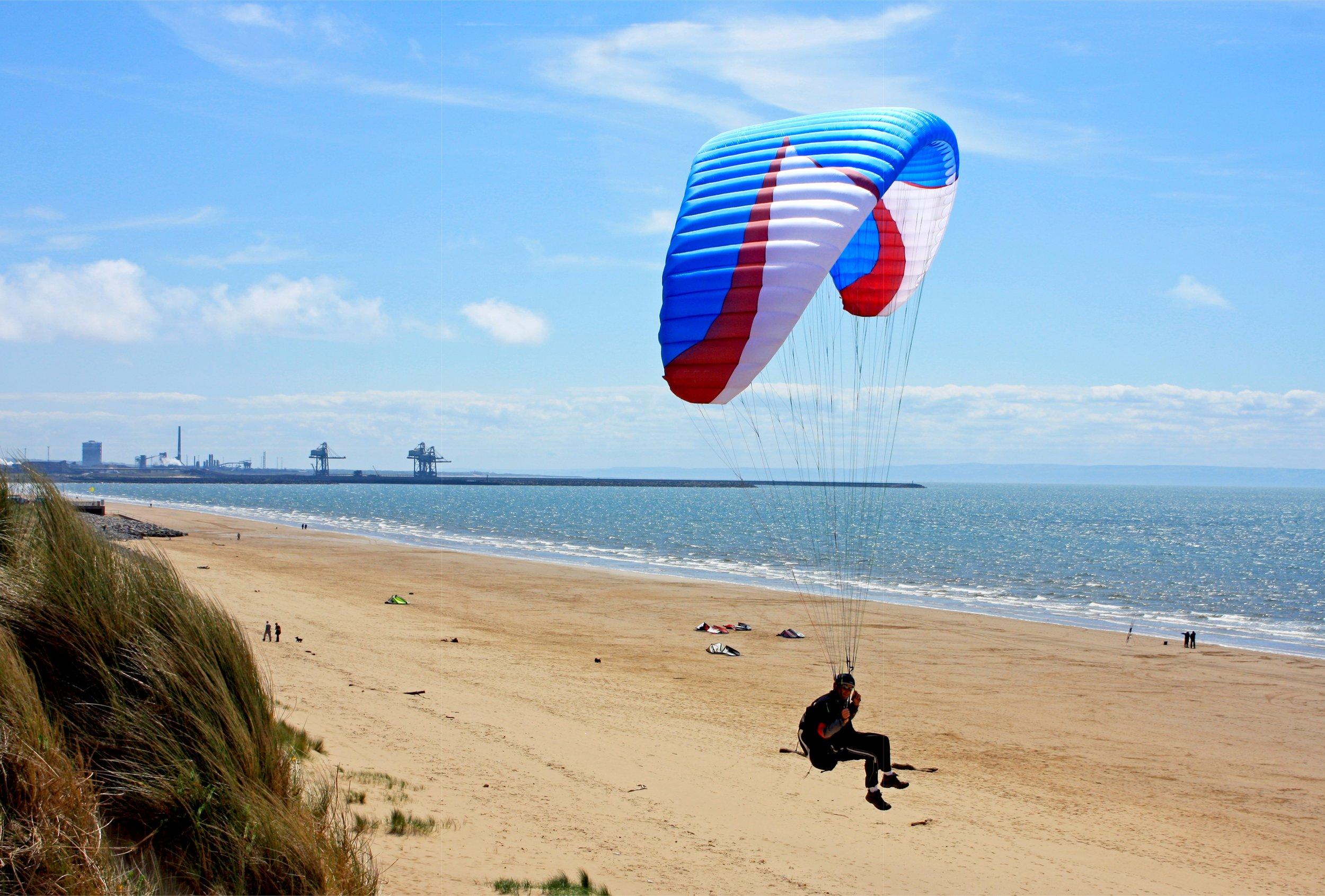 ParagliderAberavonBeach.jpg