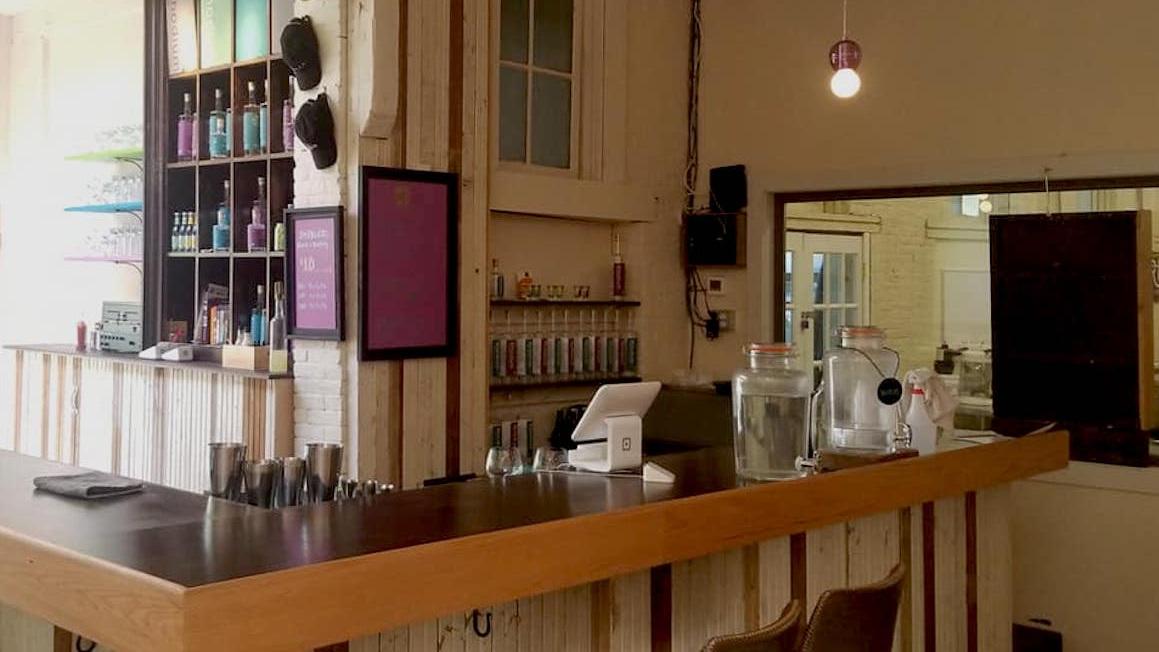 TR bar.jpg