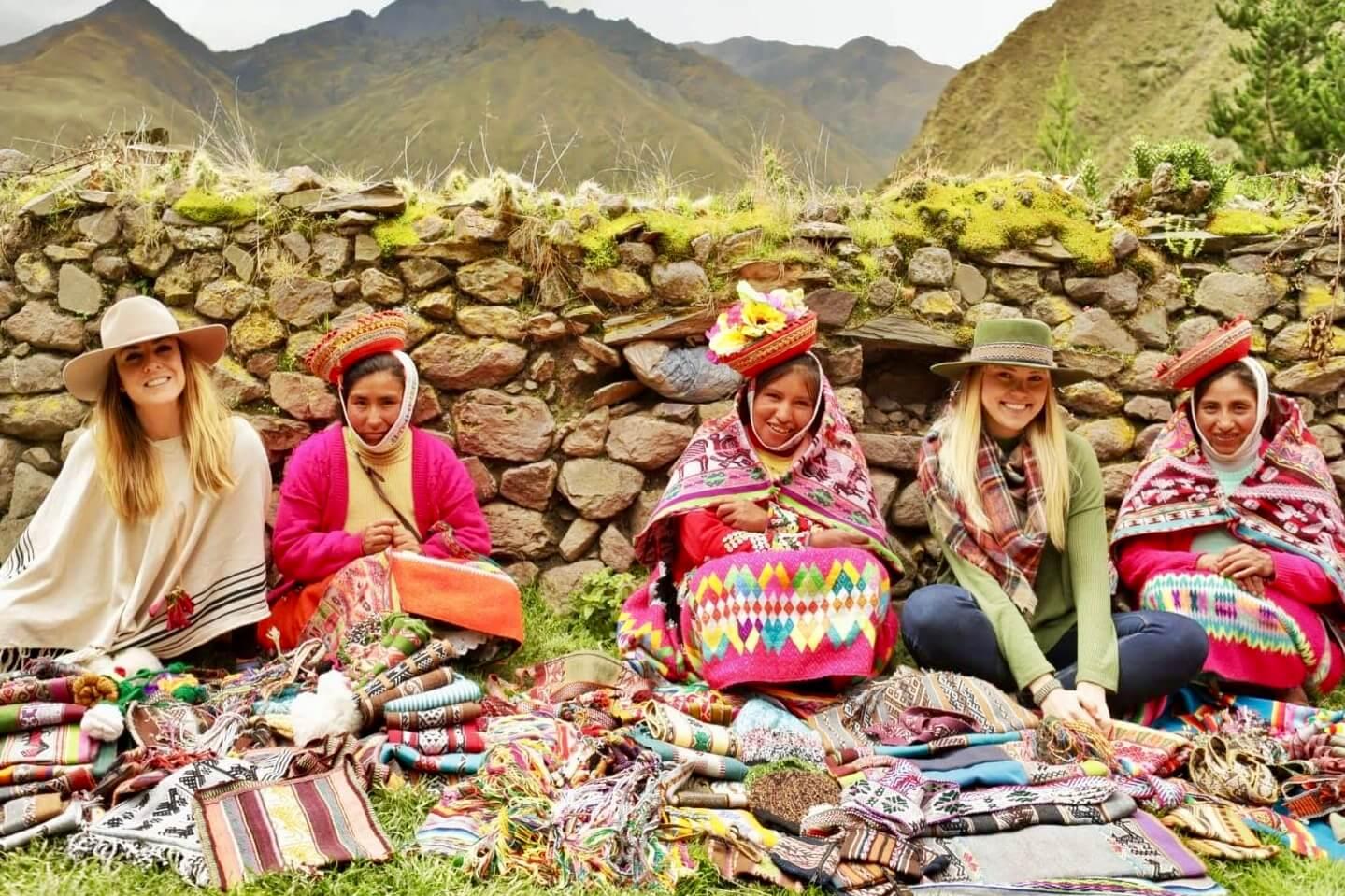 Quechua Weaving Community