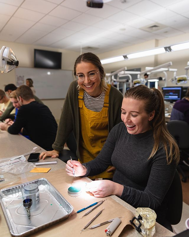 A big thank you to our ASDA second year class reps @miacarlone & @vipra13 for organizing a very successful Wax & Relax!! The second years showed first years how to wax up a tooth, along with snacks and a contest! Everyone had a great time and the first years are ready to take on Dental Morphology 😁😁
