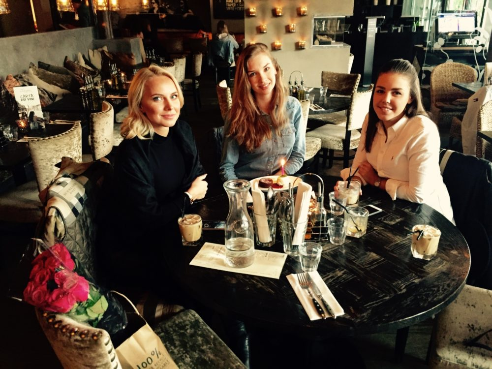 Birthday lunch with us girls at one of our favorite lunch and Italian spots  Olivia Tjuvholmen ... I was taking the picture!