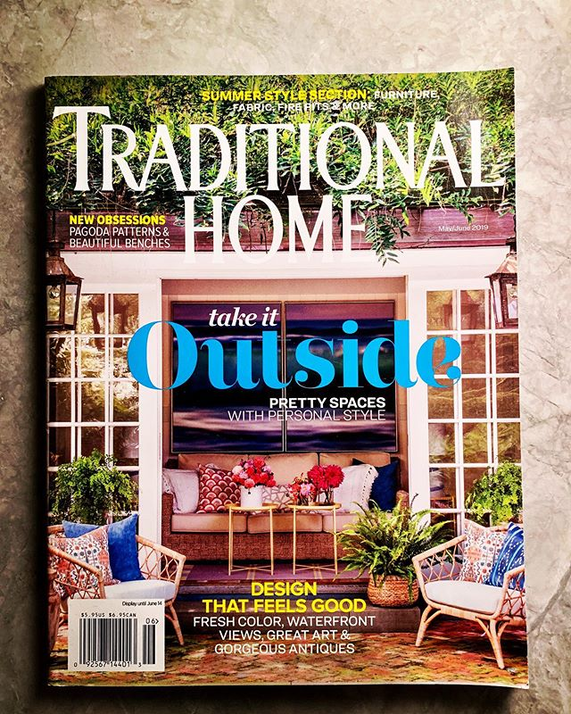 Great to be on the cover of this month's @traditionalhome with this gorgeous project by @thomfilicia ! Check it out at newsstands now!!!!