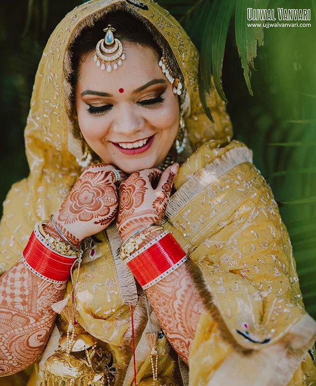 A portrait of Ravleen, one of my most favourite bride of the last season. ⠀⠀⠀⠀⠀⠀⠀⠀⠀ Raman & Ravleen, Lucknow ⠀⠀⠀⠀⠀⠀⠀⠀⠀ Shot by @ujjwalvanvari ⠀⠀⠀⠀⠀⠀⠀⠀⠀ For any inquery ☎️ +91-9811521277 📧 info@ujjwalvanvari.com 🌏 www.ujjwalvanvari.com ⠀⠀⠀⠀⠀⠀⠀⠀⠀ #ujjwalvanvari #weddingphotographer#bridalinspiration #bridalportrait #delhiweddingphotographer #lucknowwedding #happybride #sikhwedding #yellowdress #indianbride