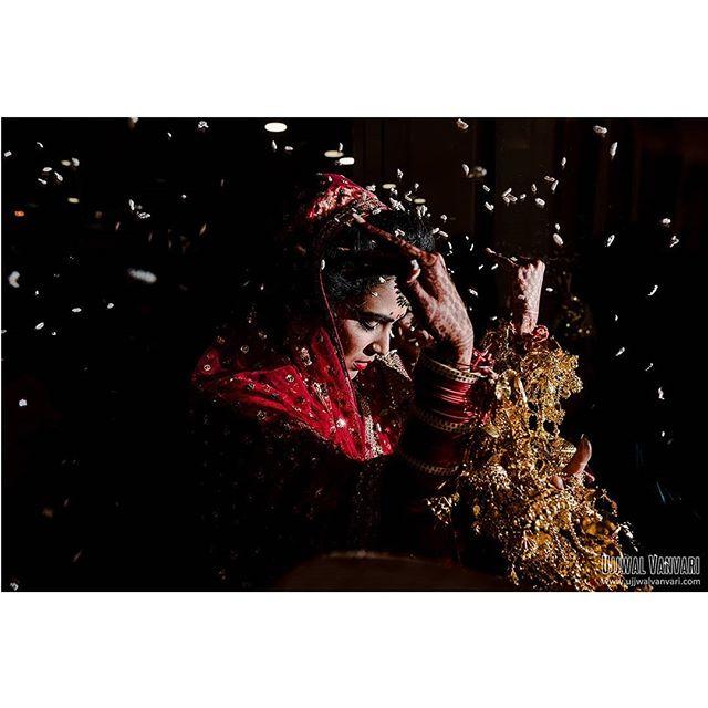 A moment from Ritika's vidai. ⠀⠀⠀⠀⠀⠀⠀⠀⠀ Ritika & Nitin ⠀⠀⠀⠀⠀⠀⠀⠀⠀ Shot by @ujjwalvanvari for @insideankitgoel ⠀⠀⠀⠀⠀⠀⠀⠀⠀ For any inquery ☎️ +91-9811521277 📧 info@ujjwalvanvari.com 🌏 www.ujjwalvanvari.com ⠀⠀⠀⠀⠀⠀⠀⠀⠀ #ujjwalvanvari #weddingphotographer #delhiweddingphotographer #realmoments #thisisreportage #moments #dark #indianbride #vidai