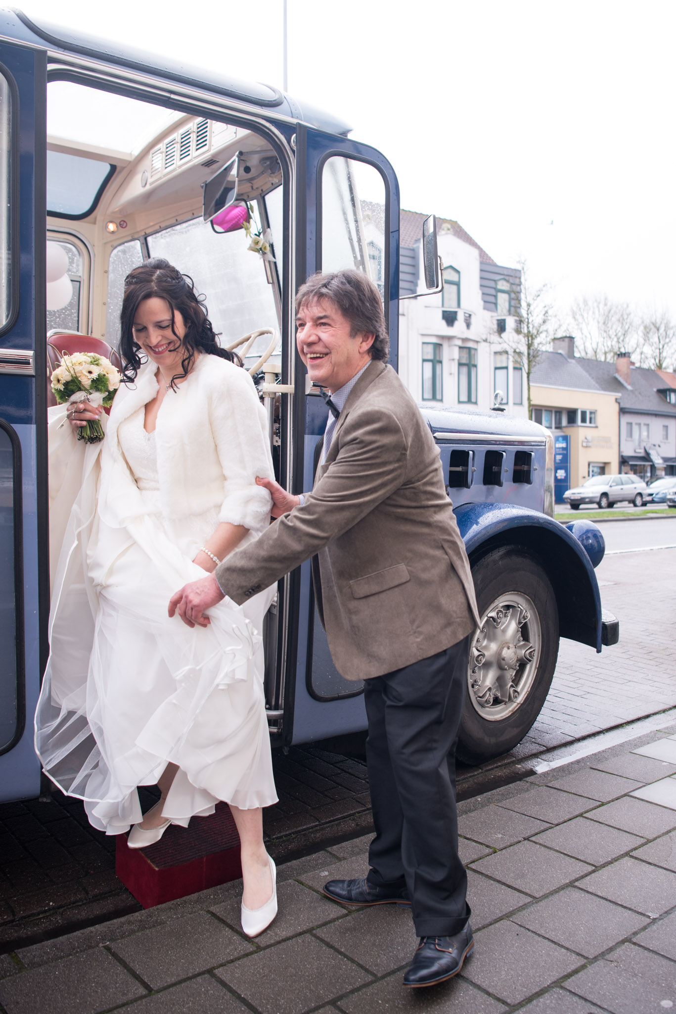 Vertrek naar trouwceremonie