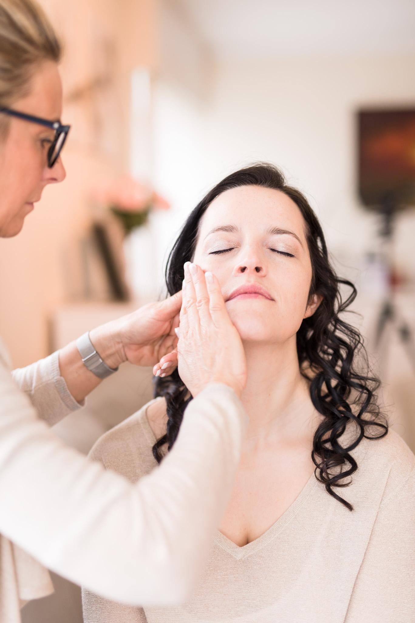 Klaarmaken bruid make-up