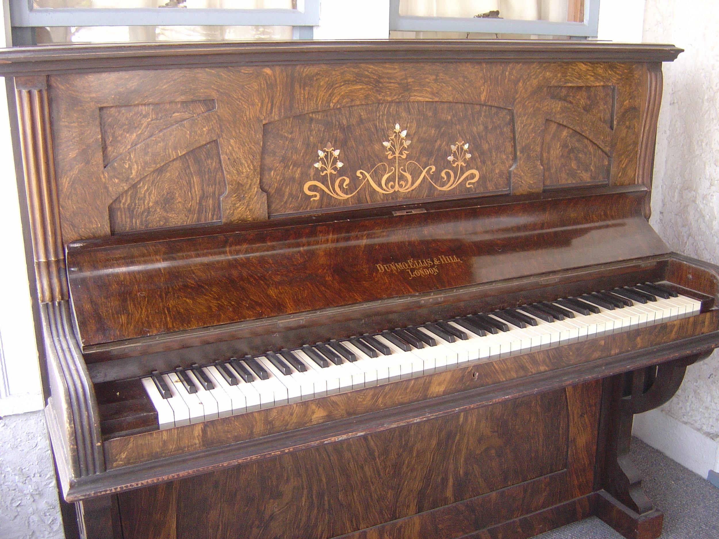 piano 017 (2).jpg