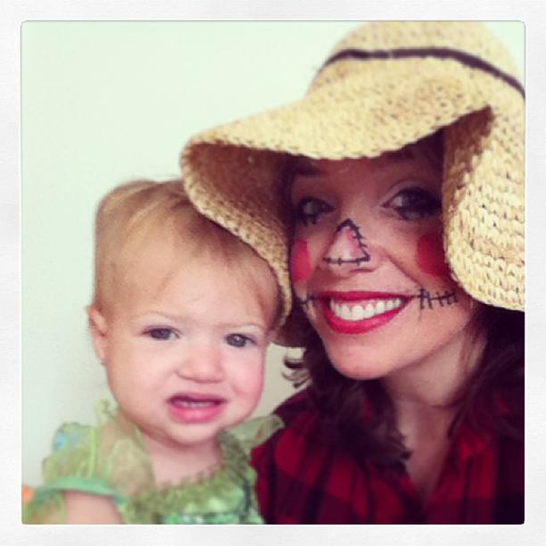 Halloween DIY scarecrow makeup for moms @ohbotherblog