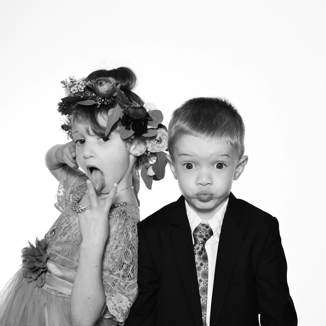 Bridesmaid Holdy