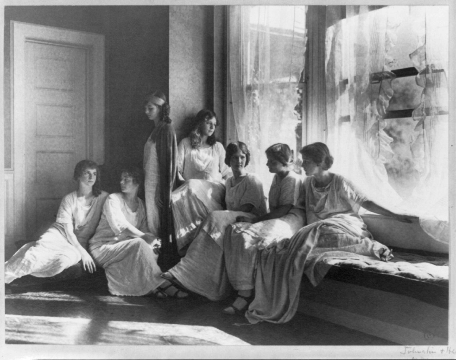 A picture of Isadora Duncan's student's, including Isadorable dancers. Frances Benjamin Johnston Collection, Library of Congress