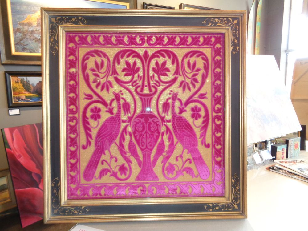 Venetian Pavoni Soprarizzo Velvet with Hand Crafted Scraffito Frame